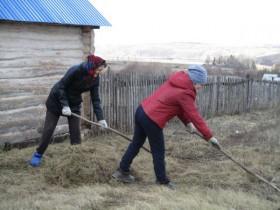 В целях очистки, благоустройства и озеленения территории населенных пунктов сельского поселения Ермолкинский сельсовет, а также в рамках всероссийской акции по проведению экологических субботников,  повсеместно проводятся мероприятия по очистке террито